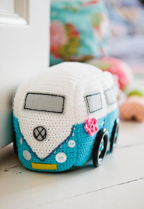Inside Crochet Issue 50 - Camper van doorstop